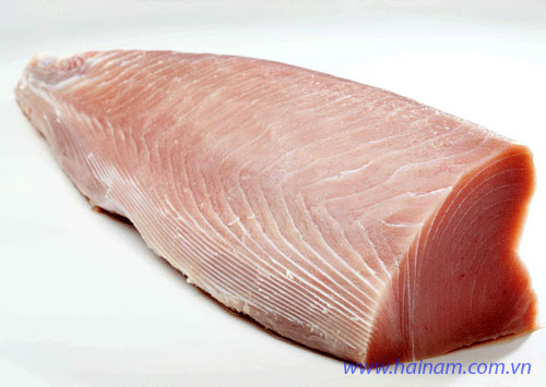 Yellow Fin Tuna loin skinless boneless bloodline off<br />Latin name: Thunnus albacares<br />Size: 1-2kg, 2-4kg, 4kg up