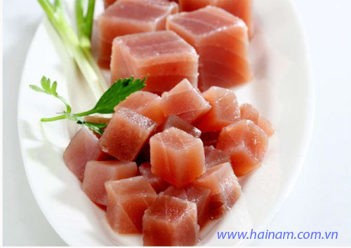 Yellow Fin Tuna cube<br />Latin name: Thunnus albacares<br />Size: 20-30gr, 25-35gr